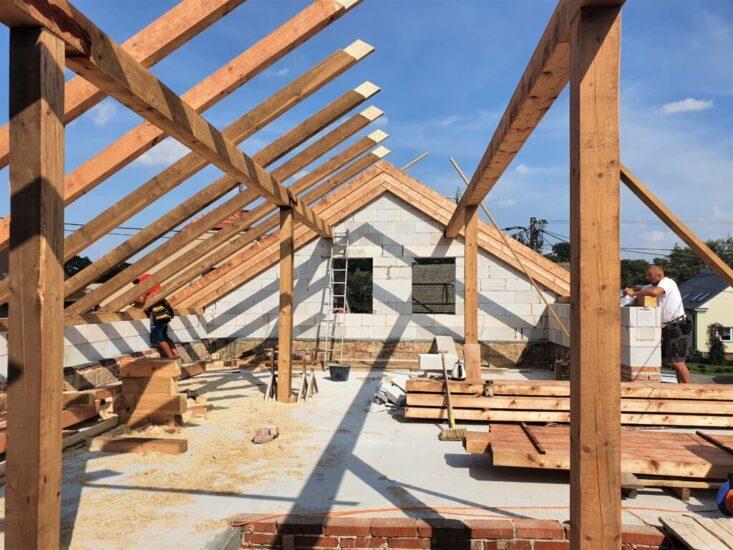 Tesařské práce na sedlové střeše